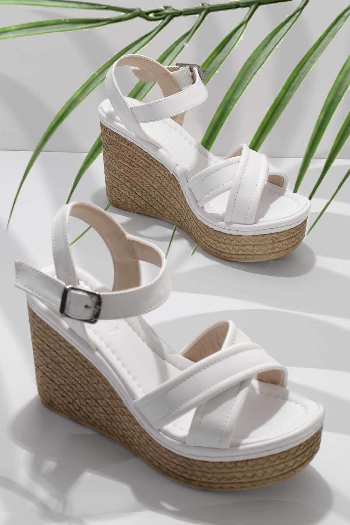 Beyaz Kadın Sandalet K05936060509