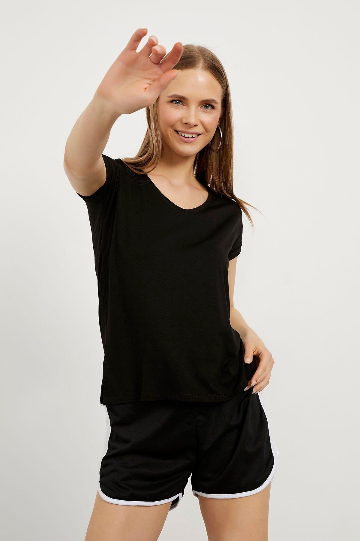 Kadın Siyah V Yaka Salaş Viskon T-shirt