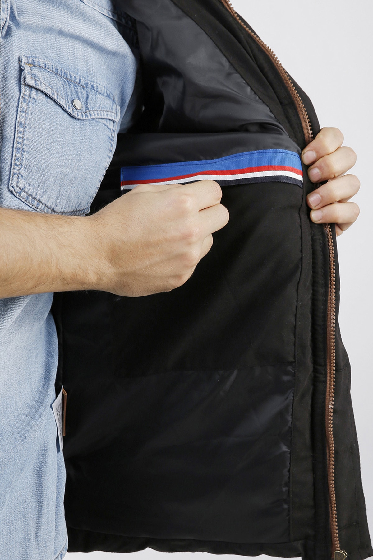 XHAN Siyah Çıkarılabilir Kapüşonlu Cepli Fermuarlı Slim Fit Yelek 1KXE4-44258-02 3