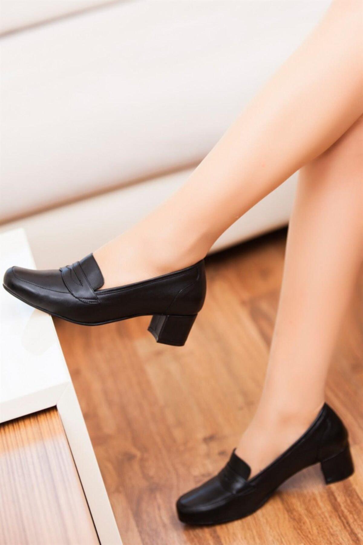 Deripabuc Hakiki Deri SİYAH Kadın Topuklu Deri Ayakkabı