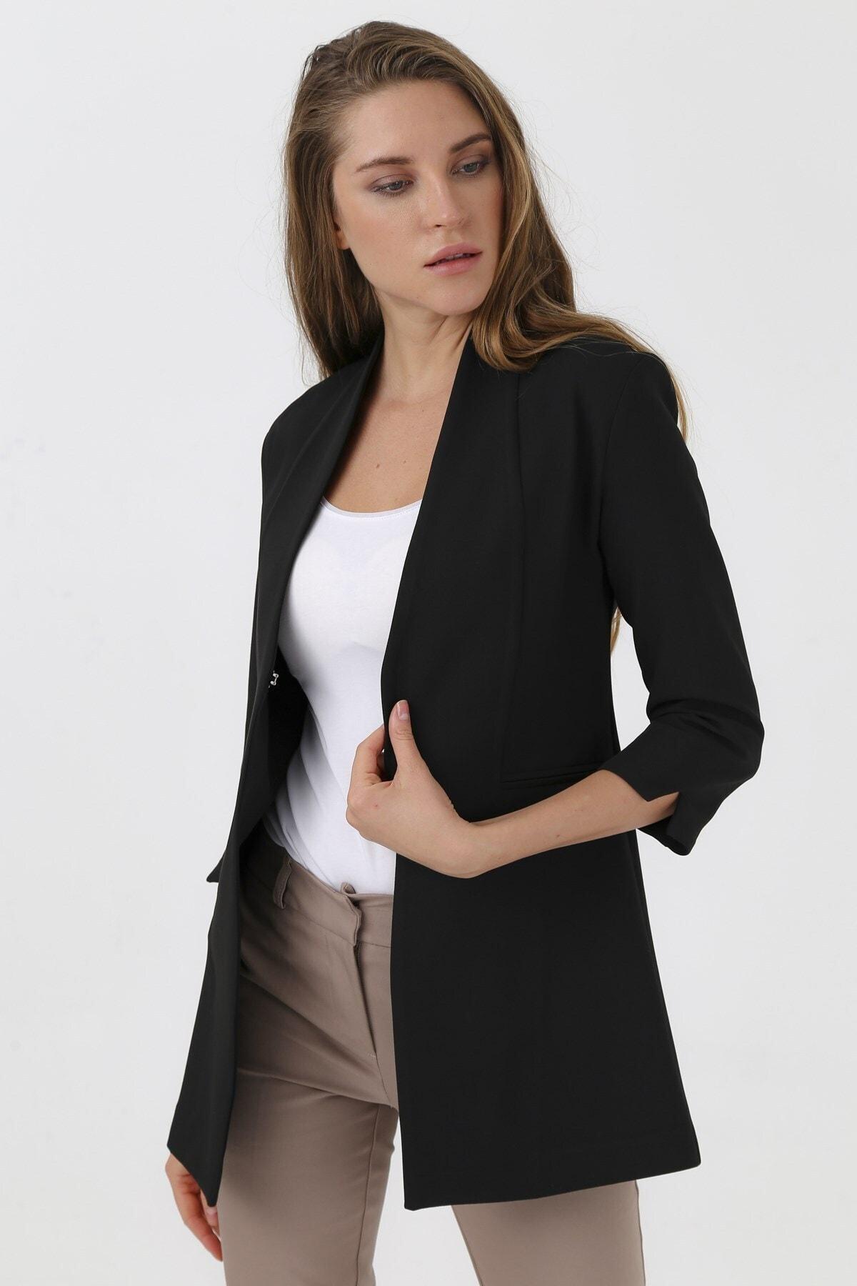 Hakim Yaka Flato Cepli Kolu Yırtmaçlı Uzun Blazer Kumaş Ceket-siyah