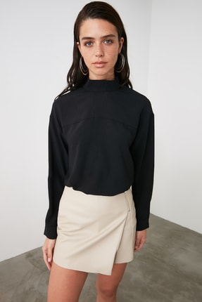 TRENDYOLMİLLA Siyah Dik Yaka Bluz TWOAW21BZ1081 0