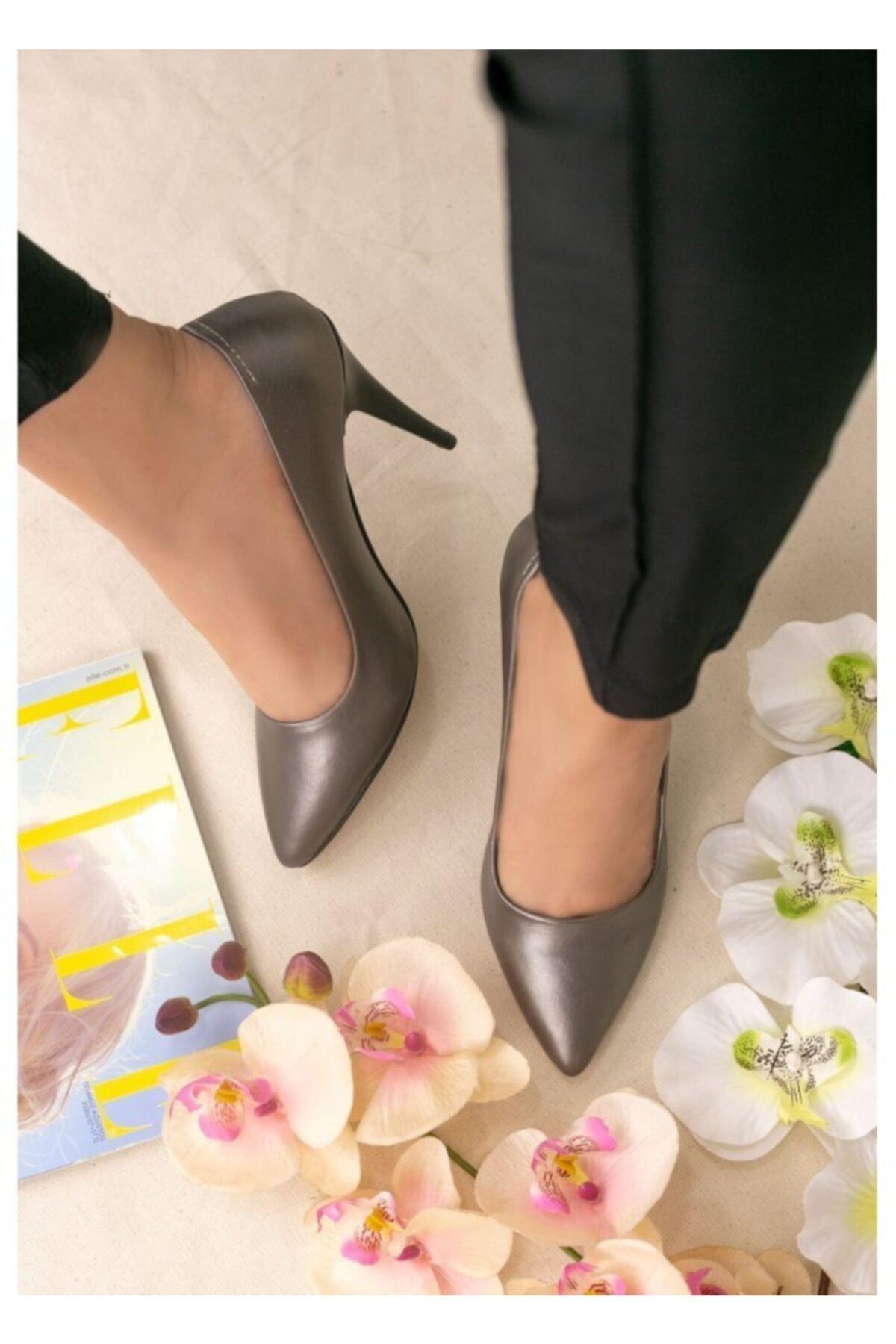ERBİL Kadın Platin Revaxi Cilt Topuklu Ayakkabı