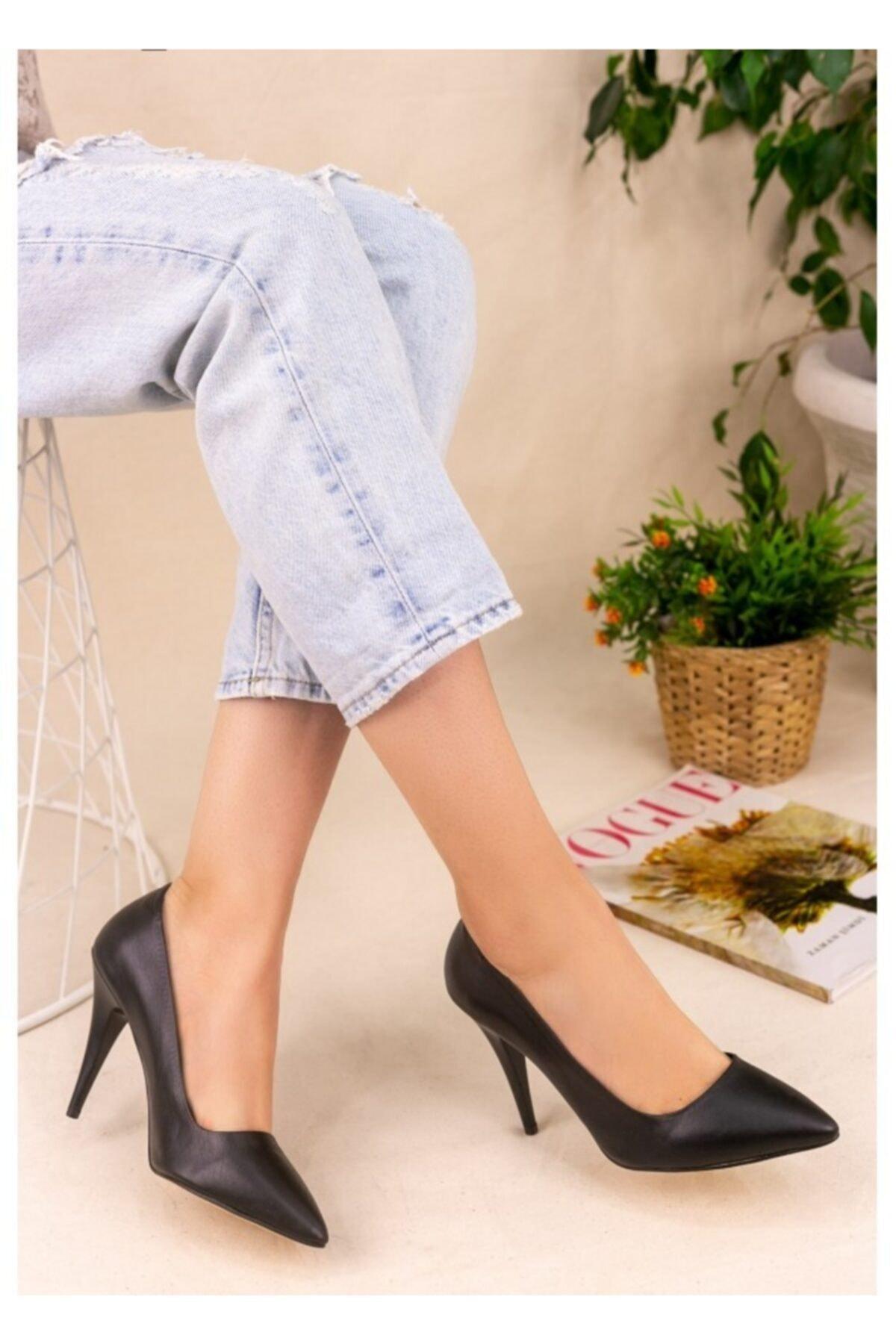 ERBİL Kadın Revaxi Siyah Cilt Stiletto Ayakkabı