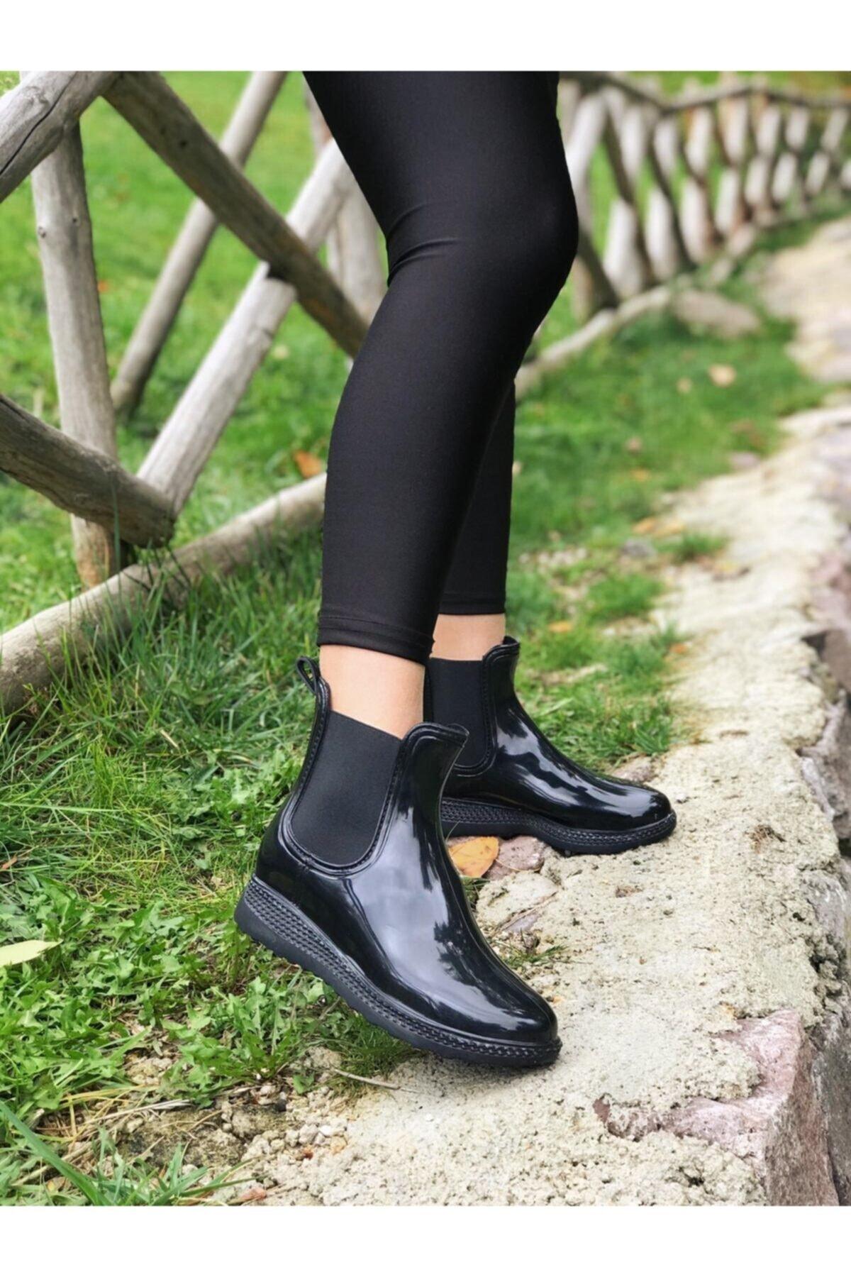 MioMia Kadın Siyah Chelsea Yağmur Botu