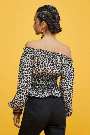 adL Kadın Siyah Beyaz Leopar Desenli Gipeli Bluz 2