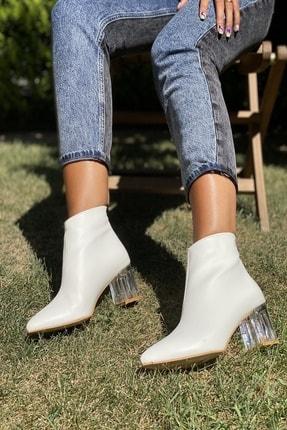 İnan Ayakkabı Kadın Beyaz Cilt Sivri Burun Ortadan Dikiş Ve Şeffaf Topuk Detaylı Bot 20120MHM 0