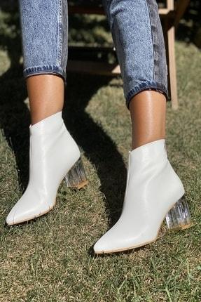 İnan Ayakkabı Kadın Beyaz Cilt Sivri Burun Ortadan Dikiş Ve Şeffaf Topuk Detaylı Bot 20120MHM 2