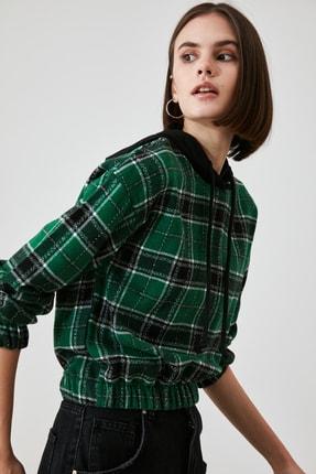 TRENDYOLMİLLA Çok Renkli Kapüşonlu Bluz TWOAW21BZ1399 2