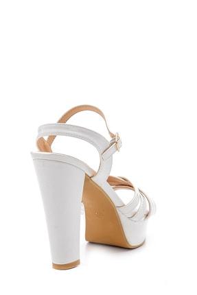 Derimod Kadın Beyaz Rugan Topuklu Ayakkabı 4