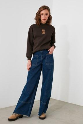 TRENDYOLMİLLA Kahverengi Nakışlı Dik Yaka Basic Örme Sweatshirt TWOAW21SW0019 0