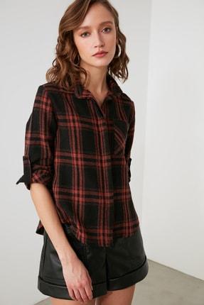 TRENDYOLMİLLA Siyah Cepli Gömlek TWOAW21GO1034 2