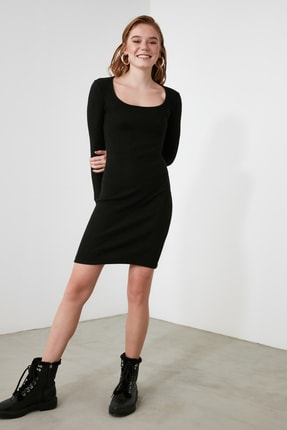 TRENDYOLMİLLA Siyah Kare Yaka Bodycon Örme Elbise TWOAW21EL2241 4
