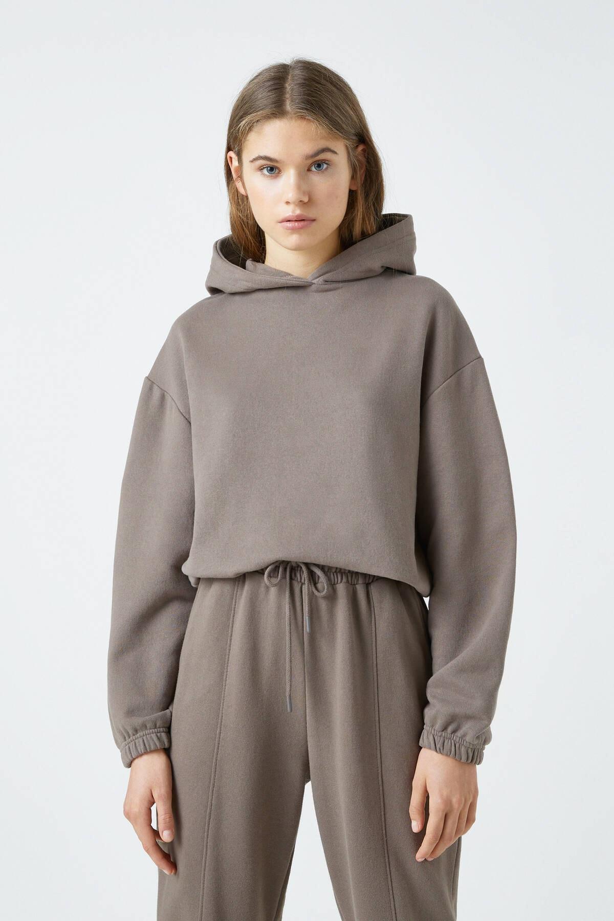 Pull & Bear Kadın Boz Gri Elastik Kenarlı Kapüşonlu Sweatshirt 04591309 0
