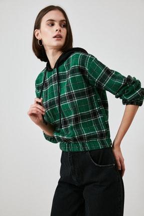 TRENDYOLMİLLA Çok Renkli Kapüşonlu Bluz TWOAW21BZ1399 3