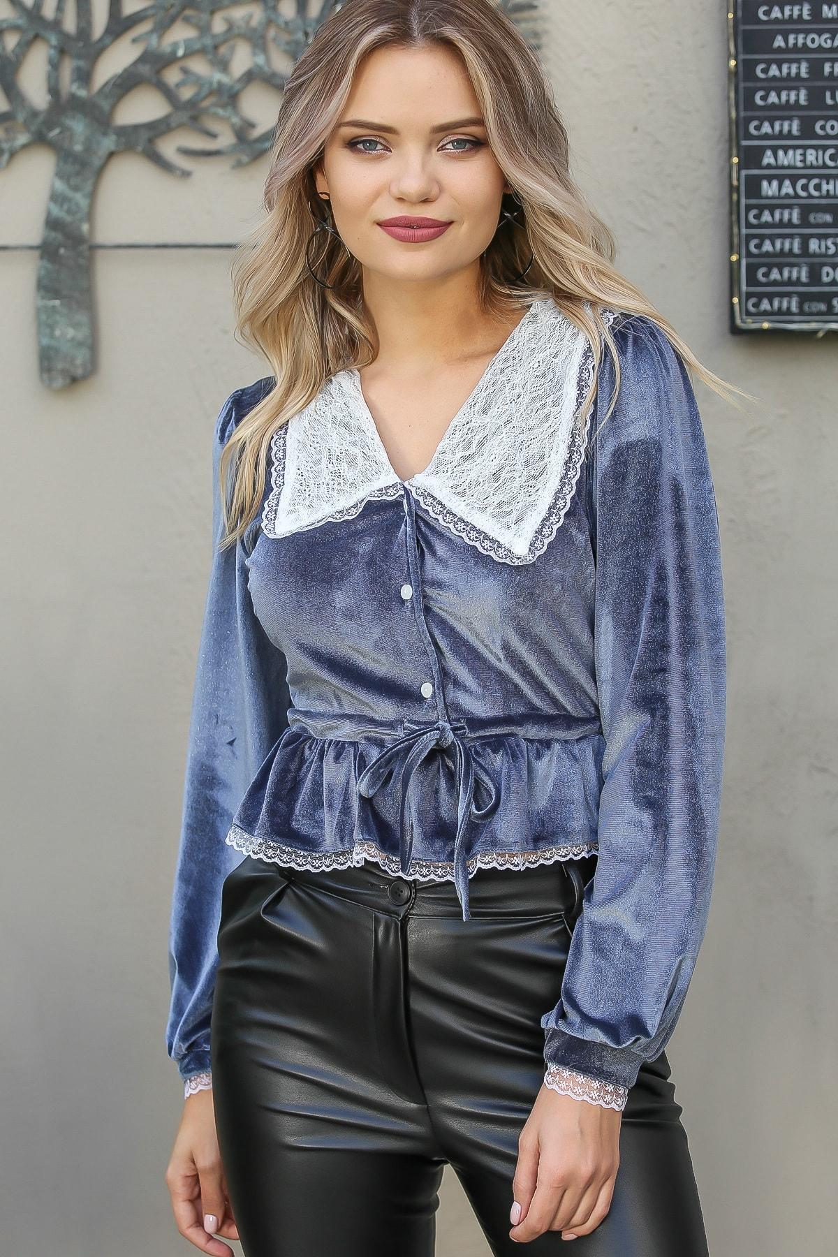 Chiccy Kadın Gri Vintage Dantel Yakalı Düğme Detaylı Beli Büzgülü Işıltılı Bluz 3