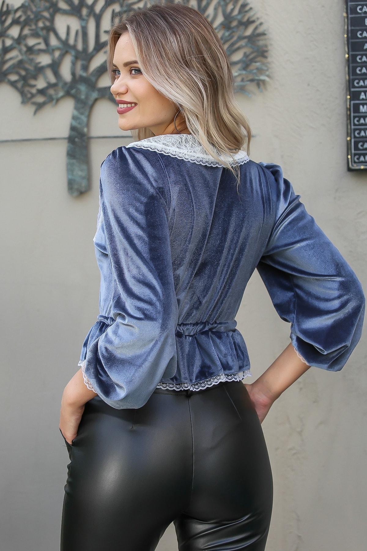 Chiccy Kadın Gri Vintage Dantel Yakalı Düğme Detaylı Beli Büzgülü Işıltılı Bluz 4