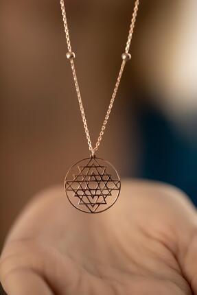 İzla Design Kadın Rose Kaplama Gümüş Sri Yantra Kolyesi 4