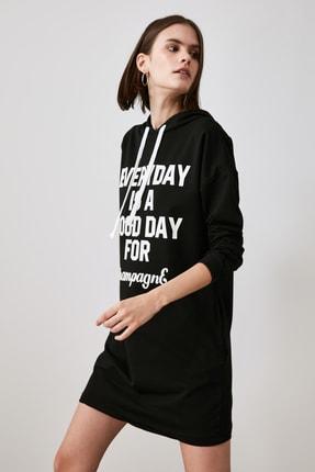 TRENDYOLMİLLA Siyah Baskılı Sweat Örme Elbise TWOAW21EL1283 0