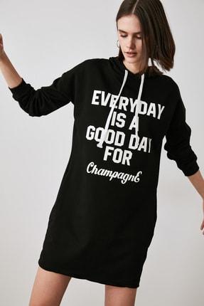 TRENDYOLMİLLA Siyah Baskılı Sweat Örme Elbise TWOAW21EL1283 2