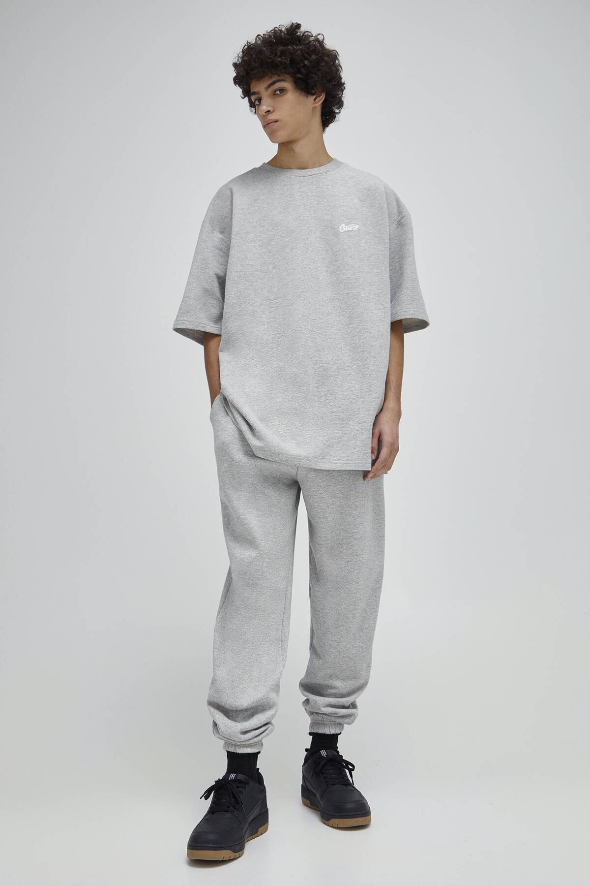 Pull & Bear Erkek Açık Gri Homewear Kapsül Koleksiyonu T-Shirt 04240542 1