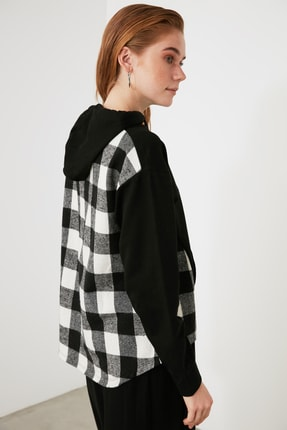 TRENDYOLMİLLA Siyah Ekose Detaylı Örme Sweatshirt TWOAW21SW1717 3