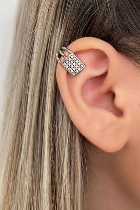 Takıştır Kadın Gümüş Renk Dikdörtgen Figürlü Kıkırdak Küpe 0