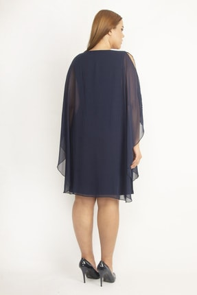 Şans Kadın Lacivert Şifon Pelerinli Taş Detaylı Abiye Elbise 65N19790 2