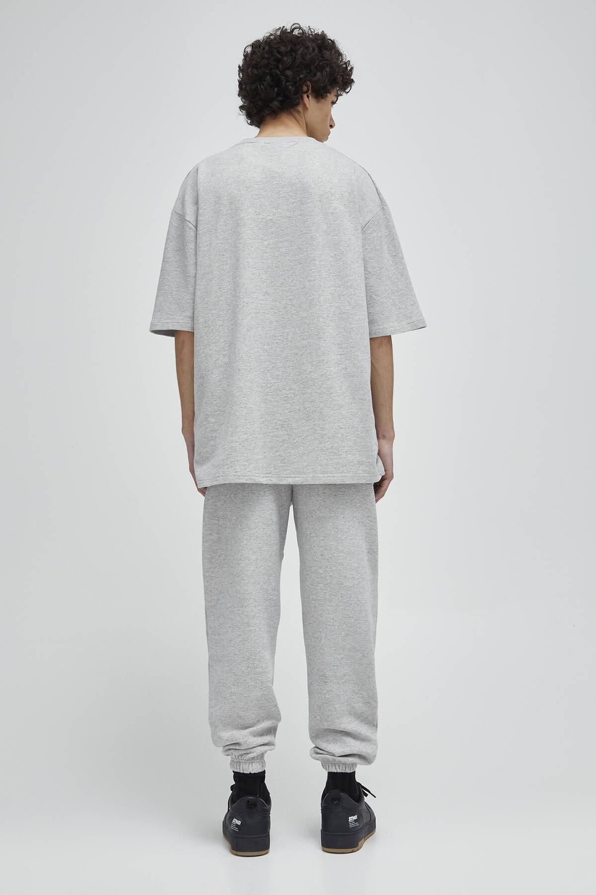 Pull & Bear Erkek Açık Gri Homewear Kapsül Koleksiyonu T-Shirt 04240542 2