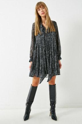 Koton Kadın Gri Sifon Sal Desenli Fular Yaka Kisa Elbise 1KAK82956UW 1