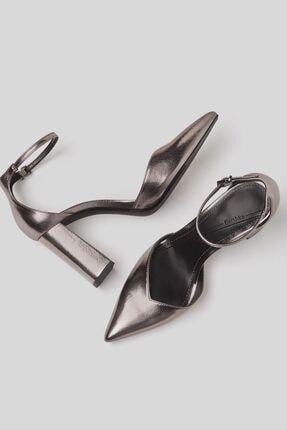 Bershka Blok Topuklu Ve Metalik Bilekten Bantlı Ayakkabı 3