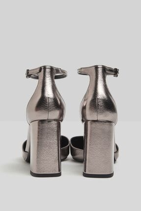 Bershka Blok Topuklu Ve Metalik Bilekten Bantlı Ayakkabı 4