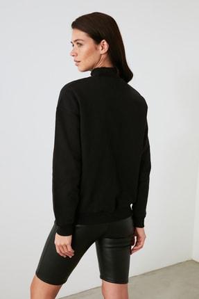 TRENDYOLMİLLA Siyah Baskılı Örme Sweatshirt TWOAW21SW1338 4