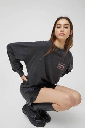 Pull & Bear Kadın Siyah Uzun Kollu Soluk Efektli Sweatshirt 2