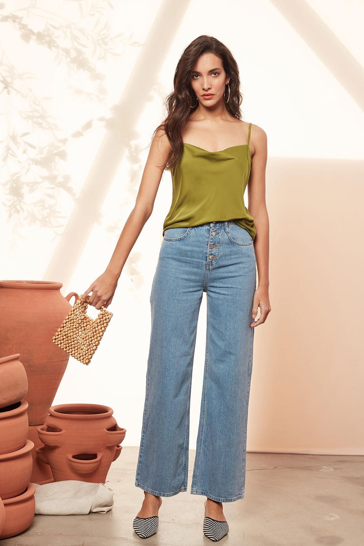 Urban Muse Kadın Yeşil Degaje Yaka İnce Askılı Bluz