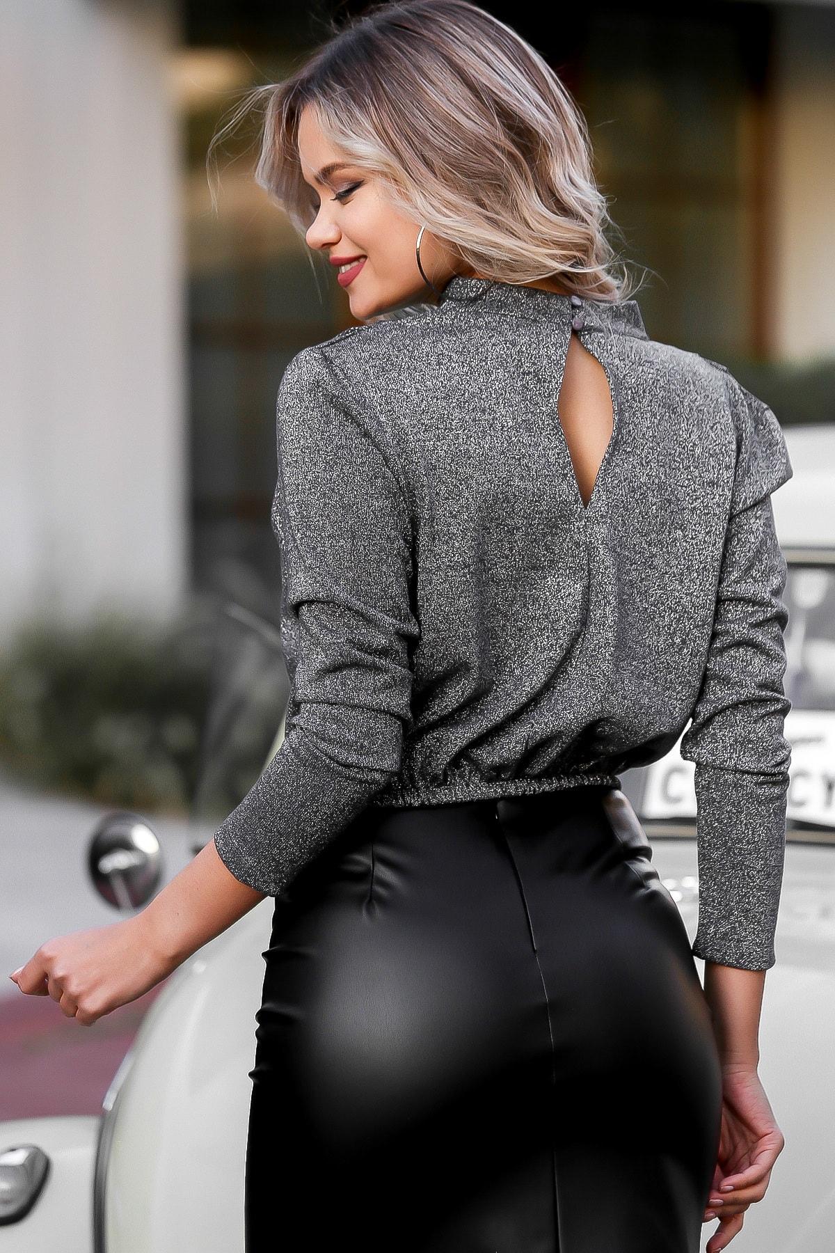 Chiccy Kadın Gümüş Dik Yaka Omuzları Pileli Beli Lastikli Bluz M10010200BL95721 4