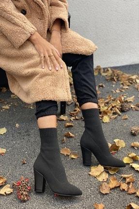 İnan Ayakkabı Kadın Siyah Sivri Burun Örgü Triko Model Topuklu Bot 1