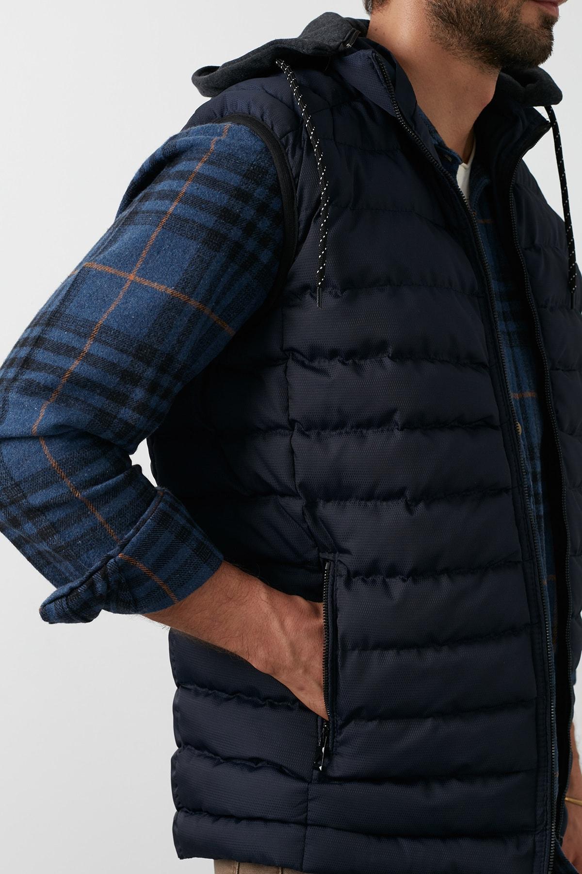 Buratti Erkek Lacivert Slim Fit Kapüşonlu Cepli Şişme Kışlık Yelek 5852008 2