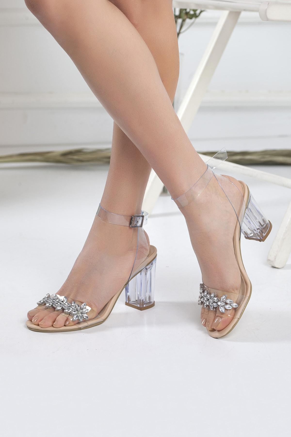 Kadın Şeffaf Taşlı Stiletto Kalın Topuklu Ayakkabı Nude