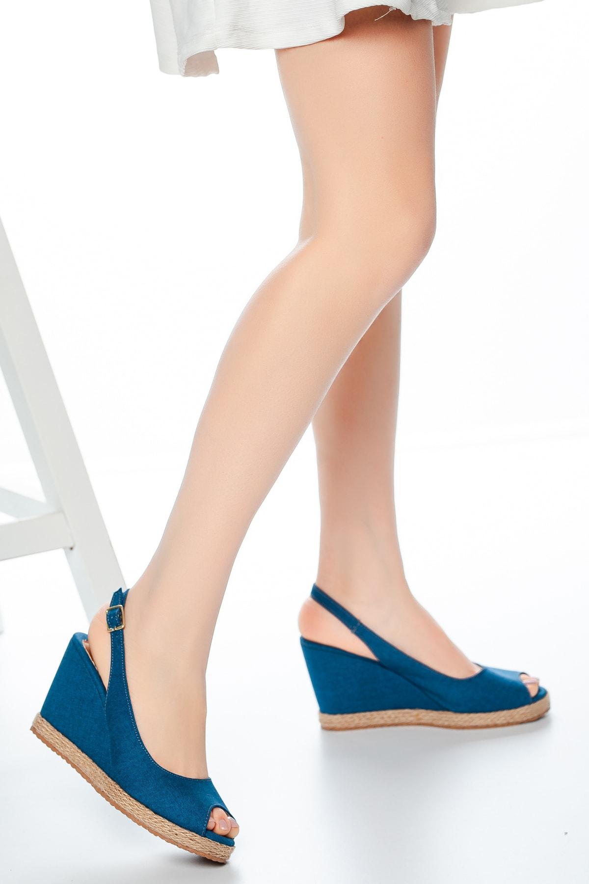 Kadın Dolgu Topuklu Ayakkabı Md1013-120-0001