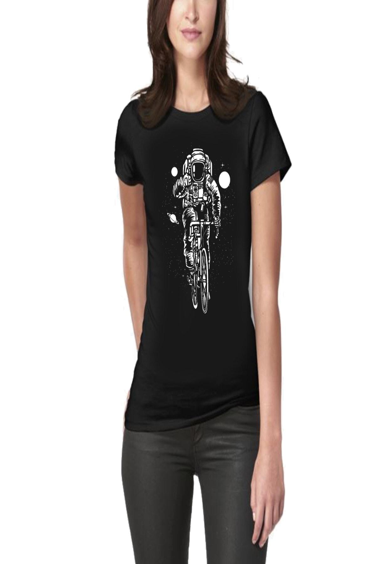 Cycling In Space Baskılı Tasarım Kadın Tişört