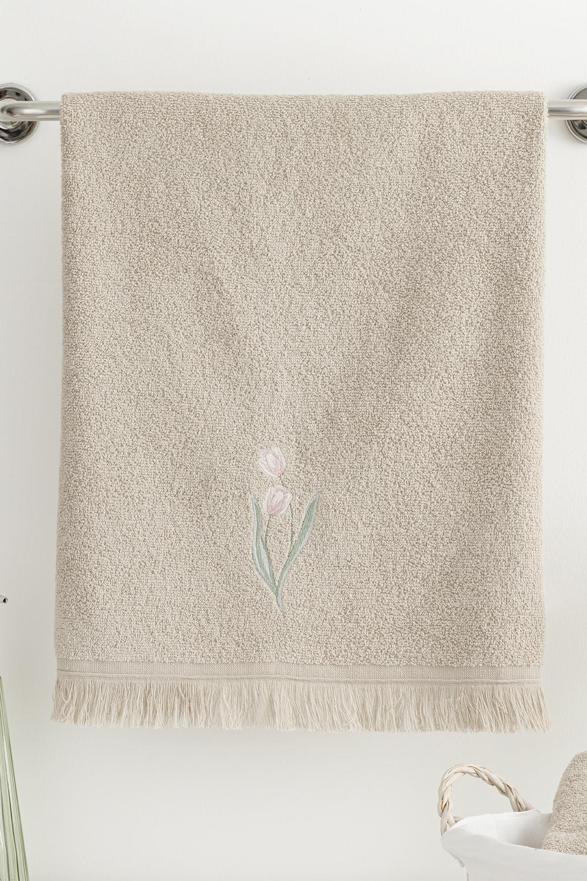Tulip Garden Nakışlı Yüz Havlusu 50x76 Cm Koyu Bej