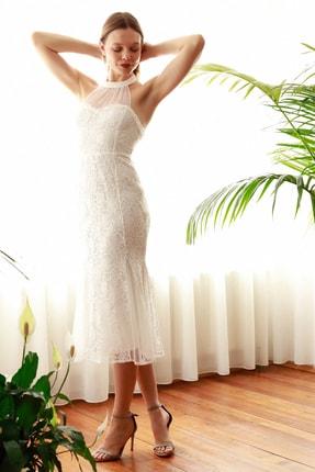 TRENDYOLMİLLA Ekru Yaka Detaylı Dantel Elbise TPRSS20EL2716 2