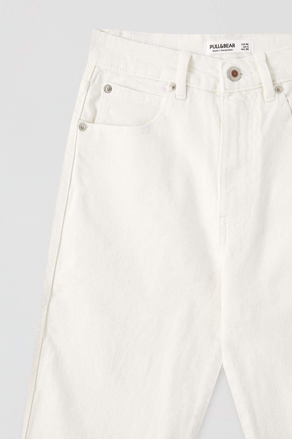 Pull & Bear Kadın Beyaz Comfort Slim Fit Mom Jean 05682305 2