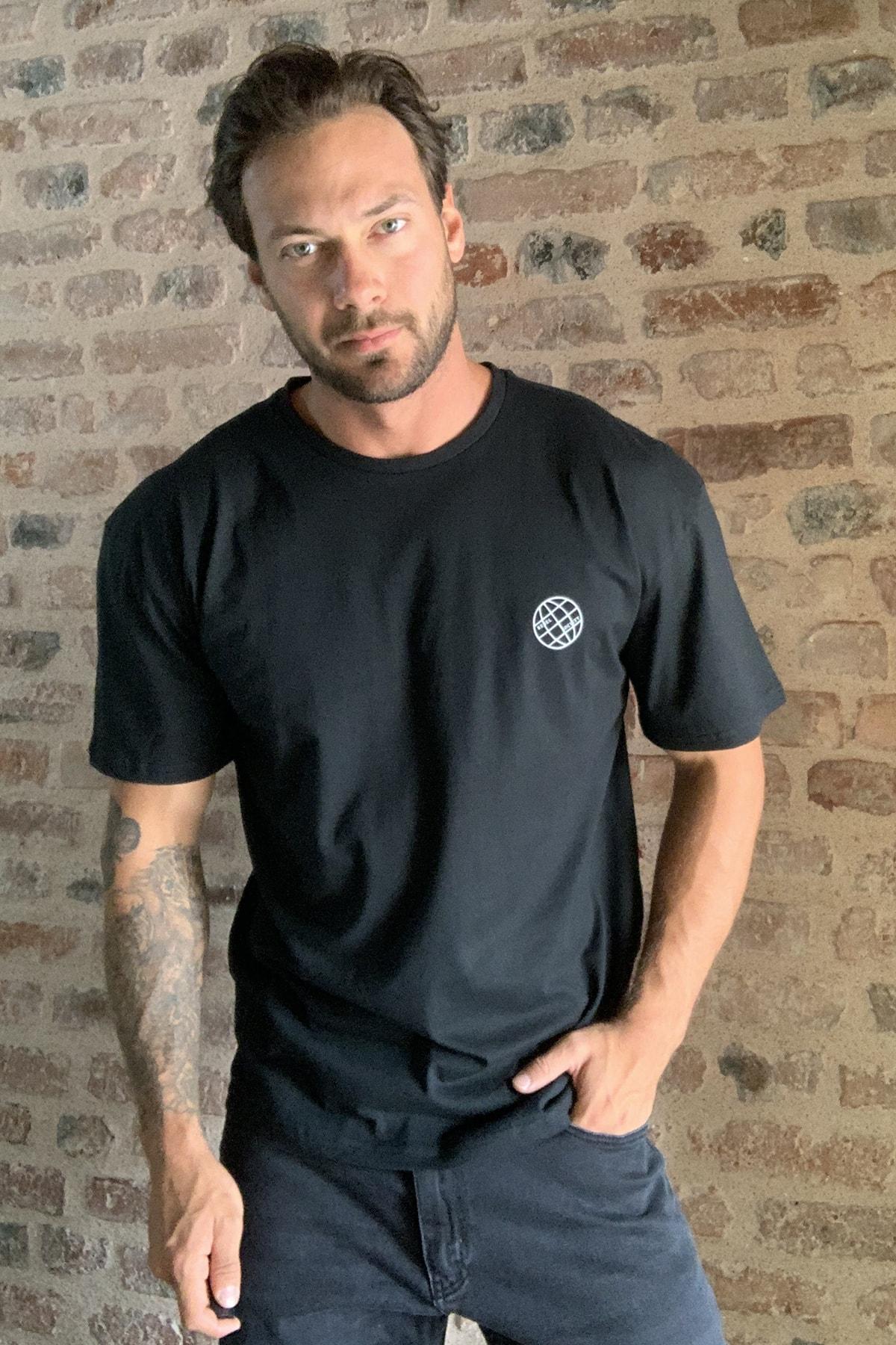 TRENDYOL MAN Siyah Erkek Geniş Kesim Fit Sırt Baskılı T-Shirt TMNSS20TS0277 1