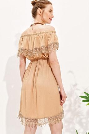 Trend Alaçatı Stili Kadın Bej Madonna Yaka Güpür Detaylı Dokuma Elbise Alc-X4310 2