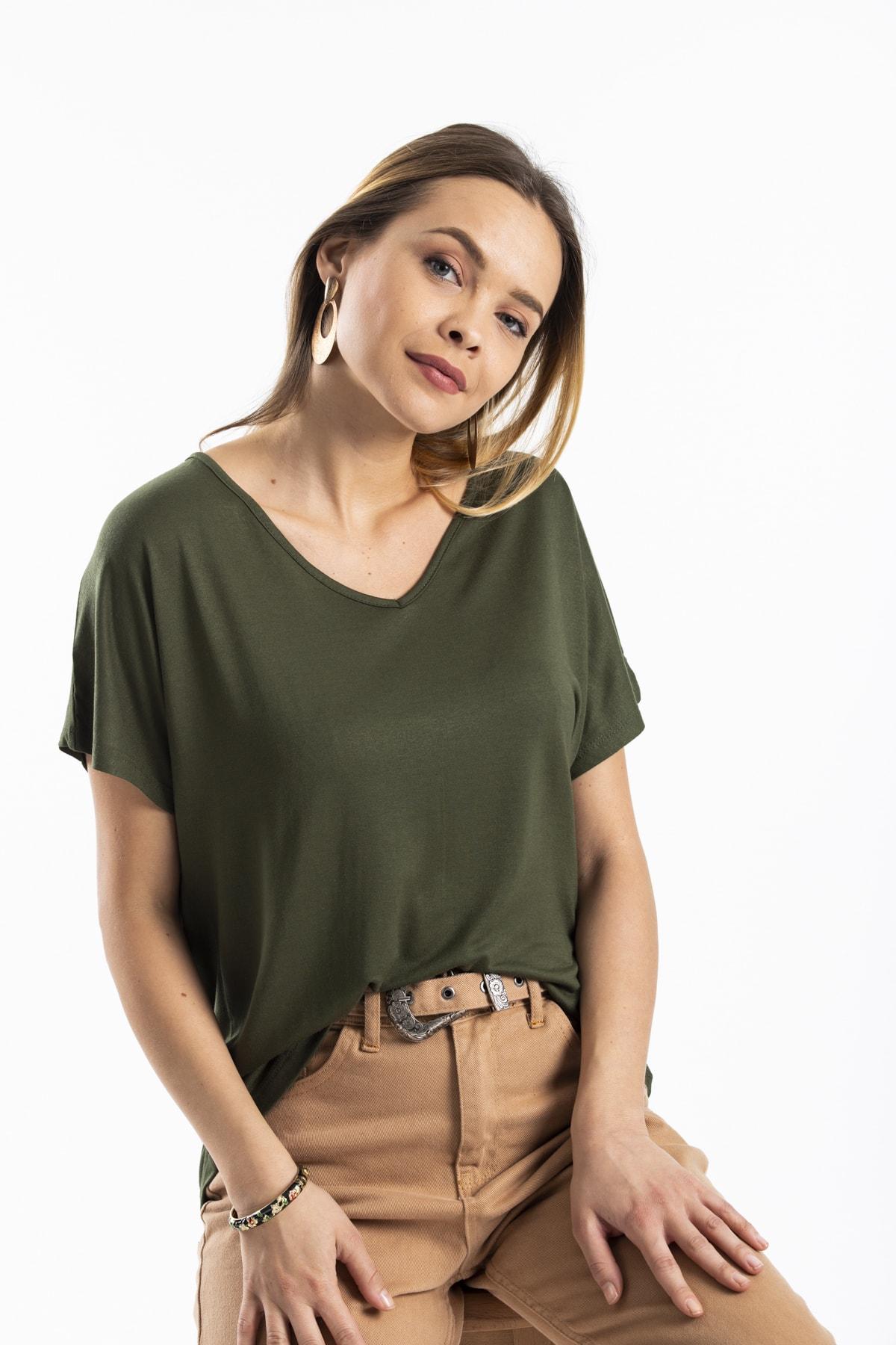 modavingo Kadın Haki Sırtı Kelebek Aksesuarlı Bluz