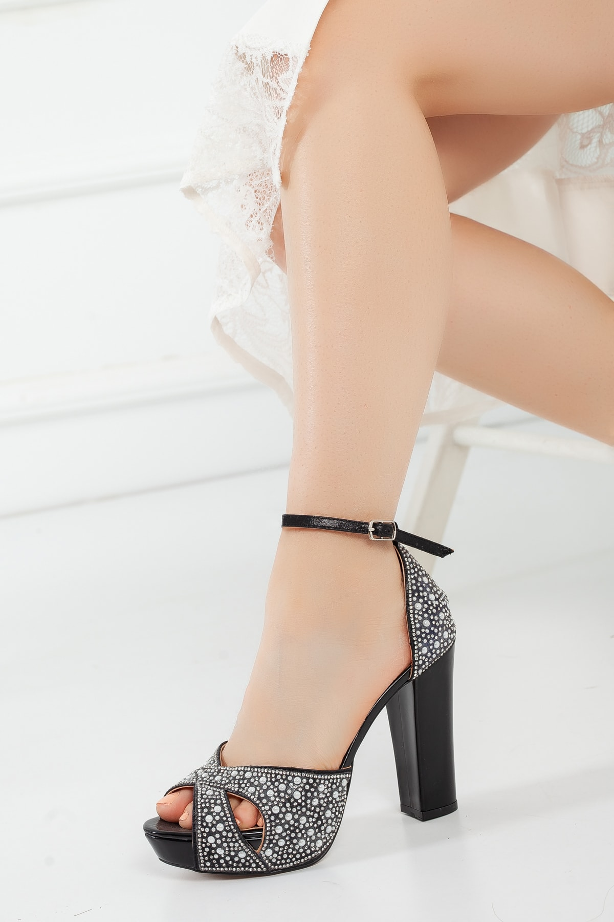 Çnr&Dvs Kadın İnci Taş Topuklu Ayakkabı