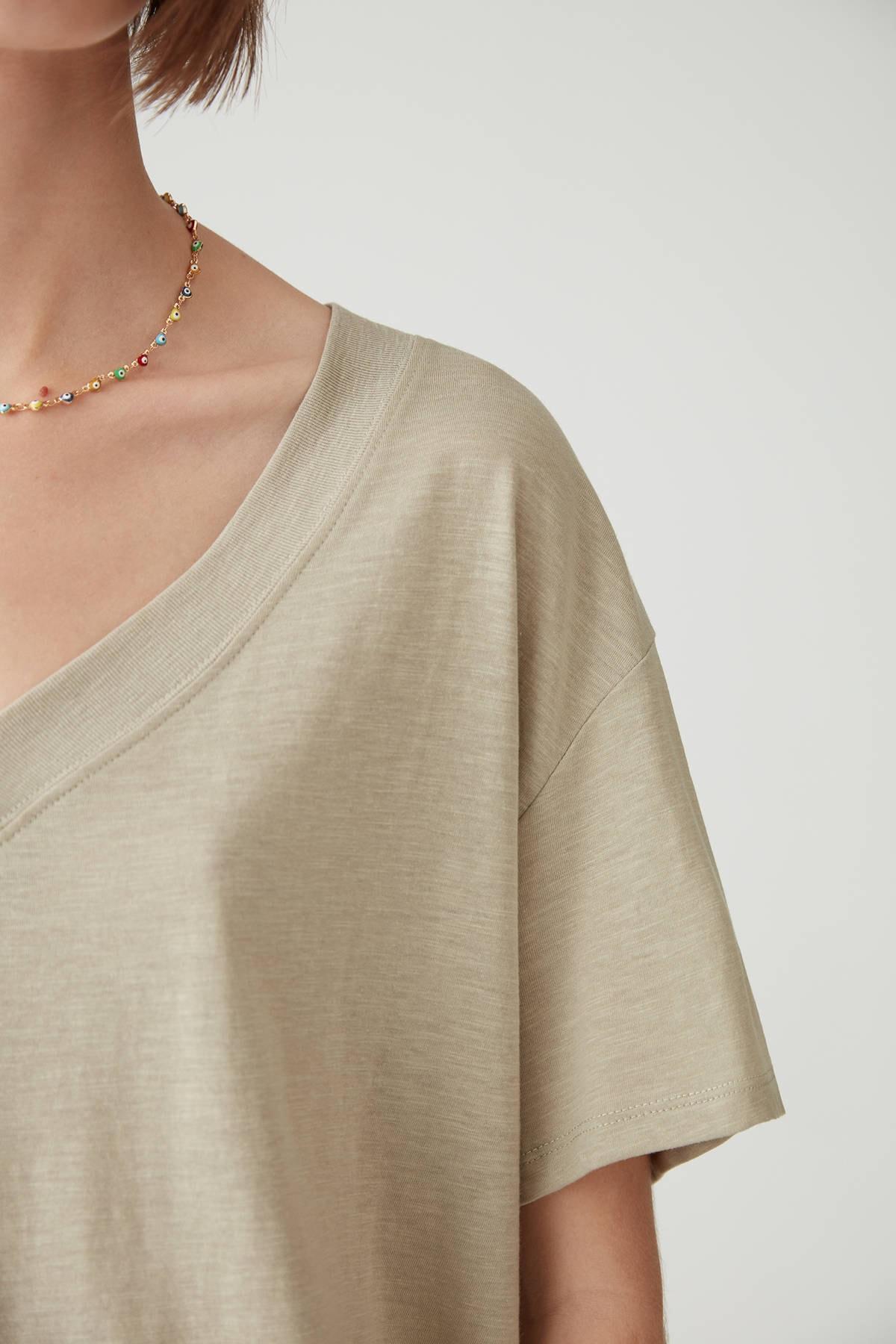 Pull & Bear Kadın Açık Haki Basic Oversize Düğümlü Örgü T-Shirt 05236324 3