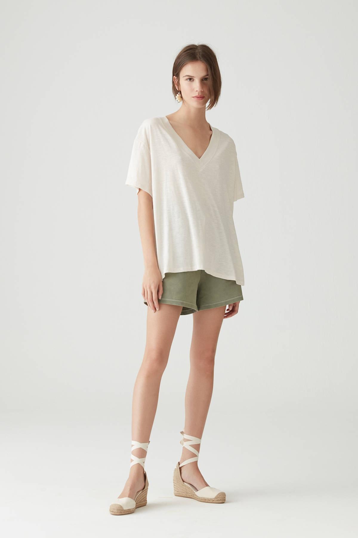 Pull & Bear Kadın Taş Rengi Basic Oversize Düğümlü Örgü T-Shirt 05236324 1